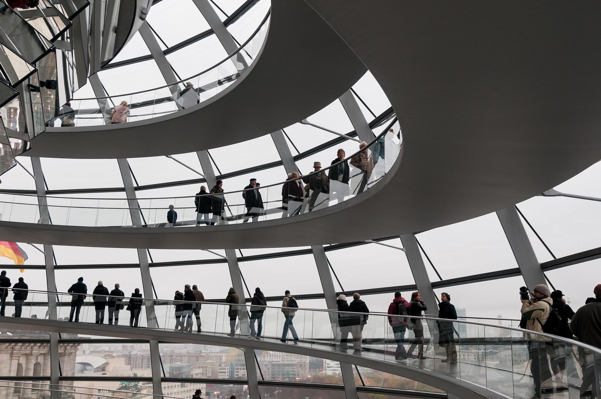 Berlin kompakt - Reichtagsführung und Touren in Berlin